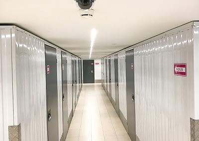 Locaux de self-stockage sous vidéo surveillance 24h/24 - Maxi Stockage Uvrier/Sion (Valais)
